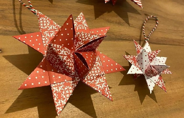 red origami stars